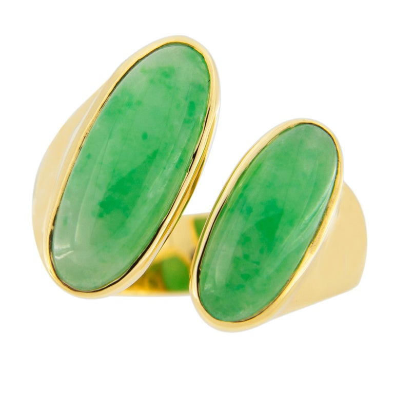 Women's or Men's Jona Natural Burmese Jadeite Jade 18 Karat Yellow Gold Ring For Sale