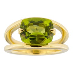 Jona Peridot 18 Karat Yellow Gold Solitaire Ring