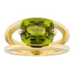Jona Peridot 18 Karat Yellow Gold Solitaire Ring