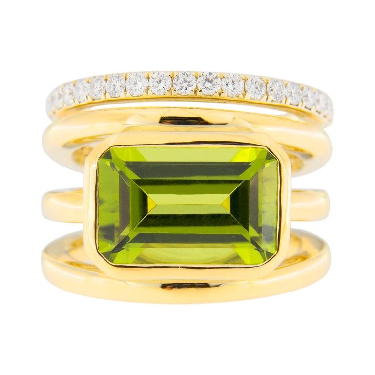 Jona Peridot White Diamond 18 Karat Yellow Gold Band Ring For Sale 1