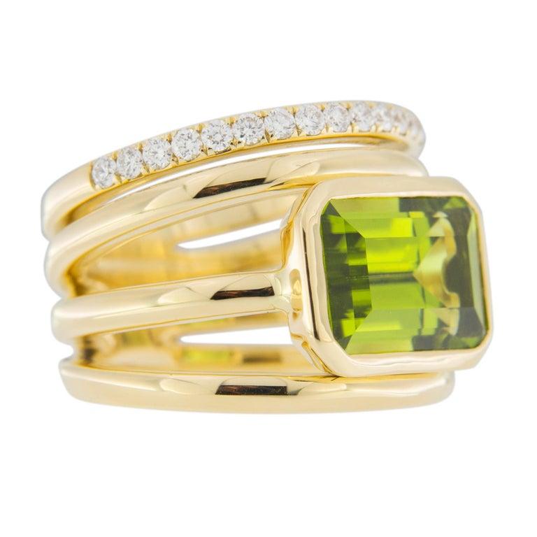 Jona Peridot White Diamond 18 Karat Yellow Gold Band Ring For Sale 2