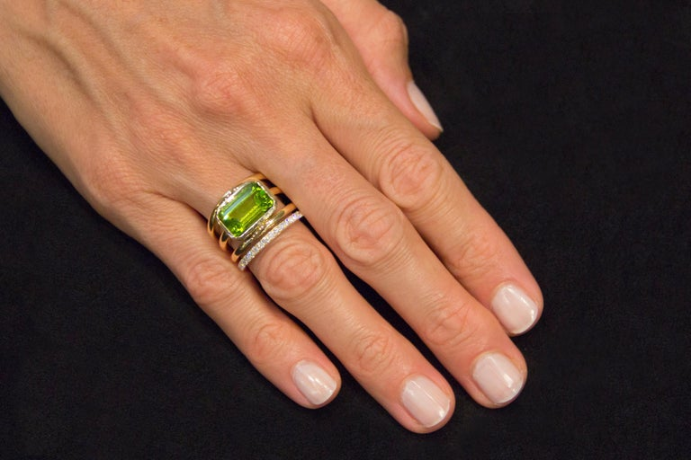Jona Peridot White Diamond 18 Karat Yellow Gold Band Ring For Sale 3