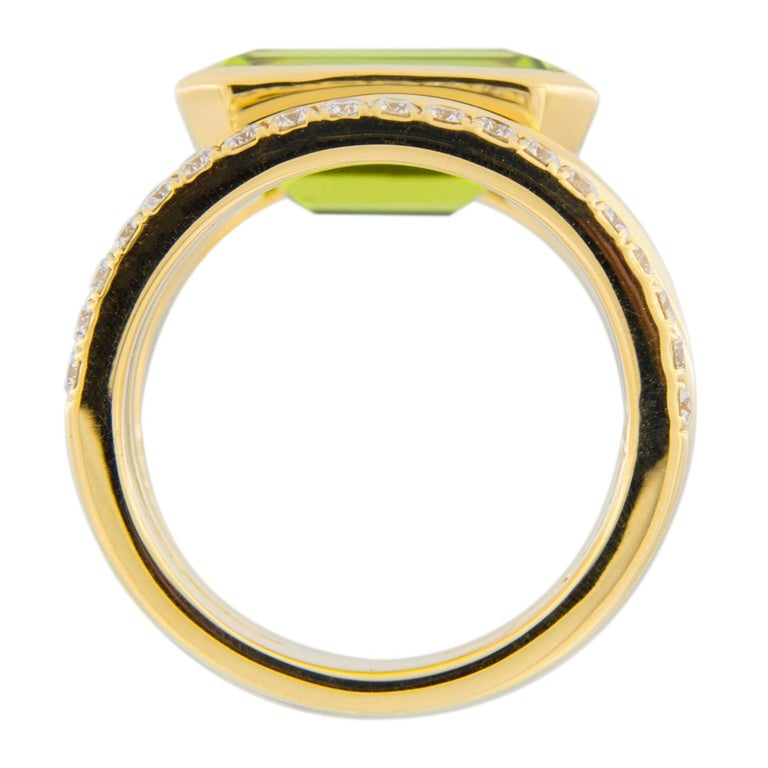 Jona Peridot White Diamond 18 Karat Yellow Gold Band Ring For Sale 4
