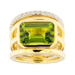 Jona Peridot White Diamond 18 Karat Yellow Gold Band Ring