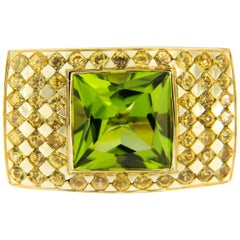 Jona Peridot Yellow Sapphire 18 Karat Yellow Gold Ring Band