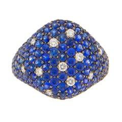 Jona Blue Sapphire White Diamond Pavé Gold Signet Ring