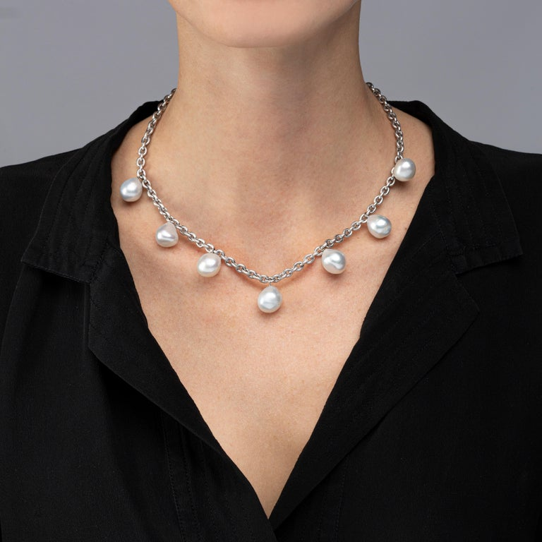 Alex Jona design collection, hand crafted in Italy, 18 karat satin white gold chain necklace suspending seven light grey South Sea baroque pearls. Alex Jona jewels stand out, not only for their special design and for the excellent quality of the