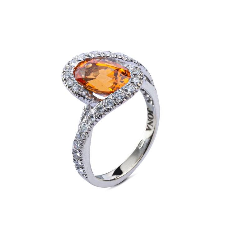 Jona Spessartite Garnet White Diamond 18 Karat White Gold Solitaire Ring For Sale 1