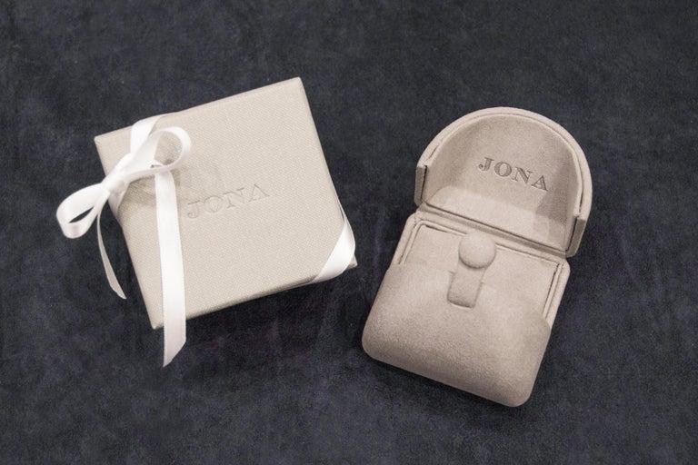 Jona Spessartite Garnet White Diamond 18 Karat White Gold Solitaire Ring For Sale 3