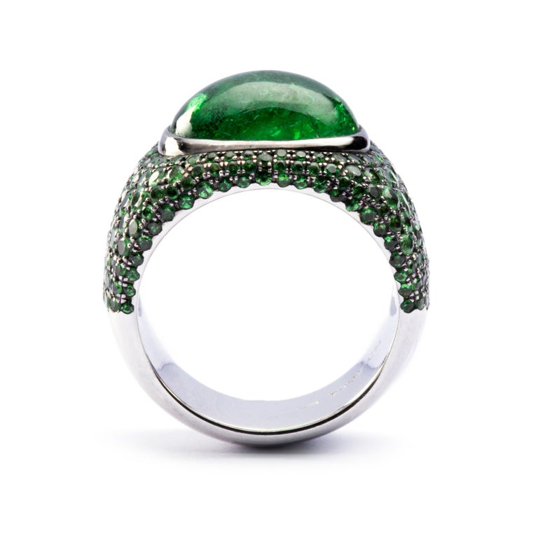Jona Tsavorite 18 Karat White Gold Band Ring In New Condition For Sale In Torino, IT