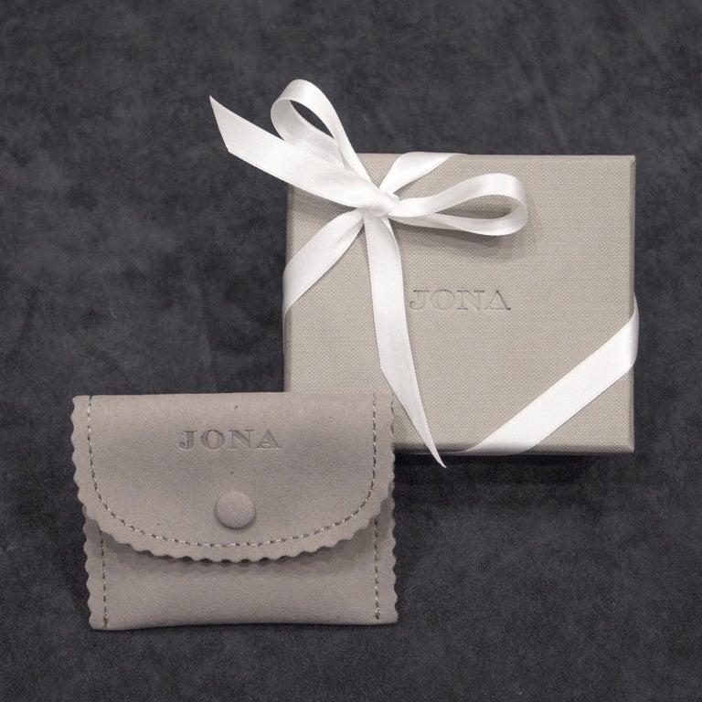 Jona White Diamond 18 Karat White Gold Beaded Flexible Bracelet For Sale 3