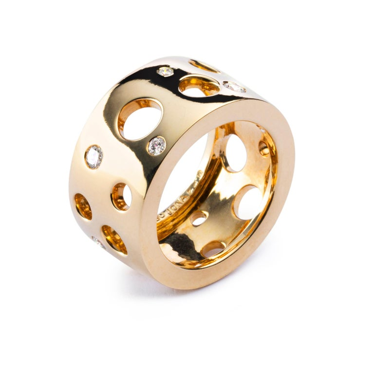 Round Cut Alex Jona White Diamond 18 Karat Yellow Gold Band Ring For Sale