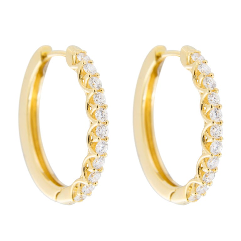 Jona White Diamond 18 Karat Yellow Gold Oval Hoop Earrings In New Condition For Sale In Torino, IT