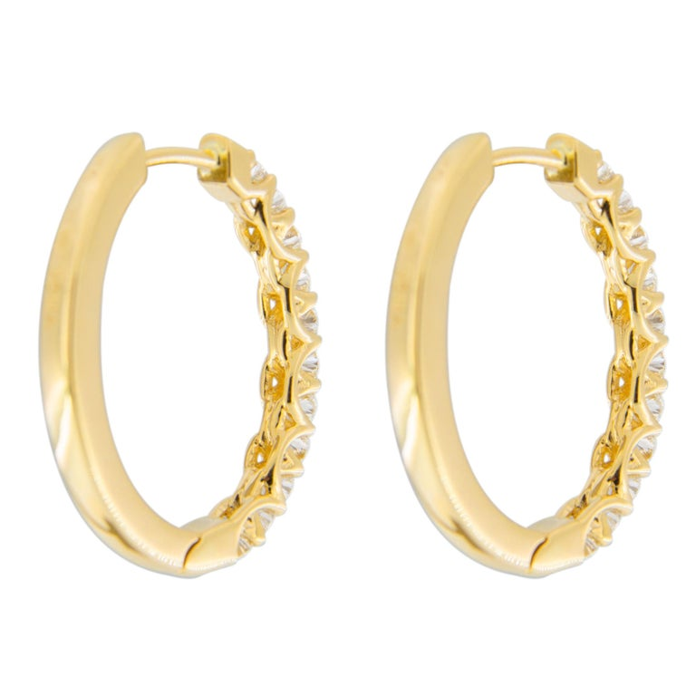 Jona White Diamond 18 Karat Yellow Gold Oval Hoop Earrings For Sale 1