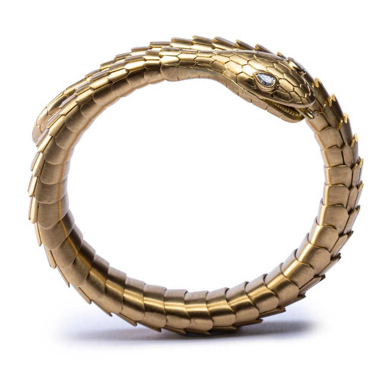 Jona White Diamond 18 Karat Yellow Gold Snake Coil Bracelet In New Condition For Sale In Torino, IT