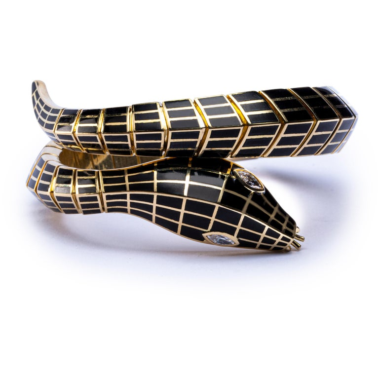 Jona White Diamond Black Enamel 18 Karat Yellow Gold Flexible Snake Bracelet In New Condition For Sale In Torino, IT