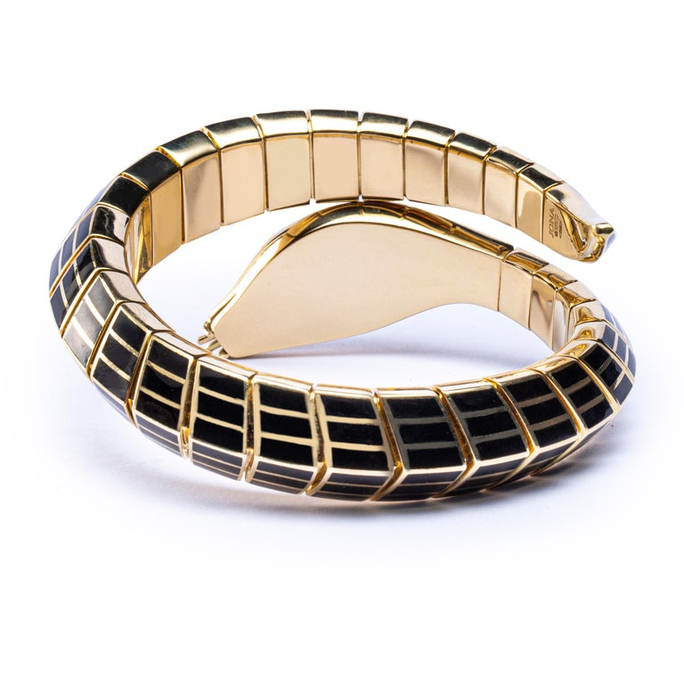 Jona White Diamond Black Enamel 18 Karat Yellow Gold Flexible Snake Bracelet For Sale 1