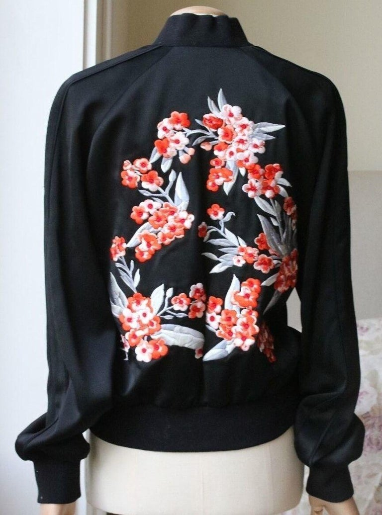 Jonathan Saunders Cecily Embroidered Satin Bomber Jacket In Excellent Condition For Sale In London, GB