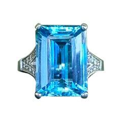 Joon Han Aquamarine and Diamond 18 Karat White Gold Cocktail Ring