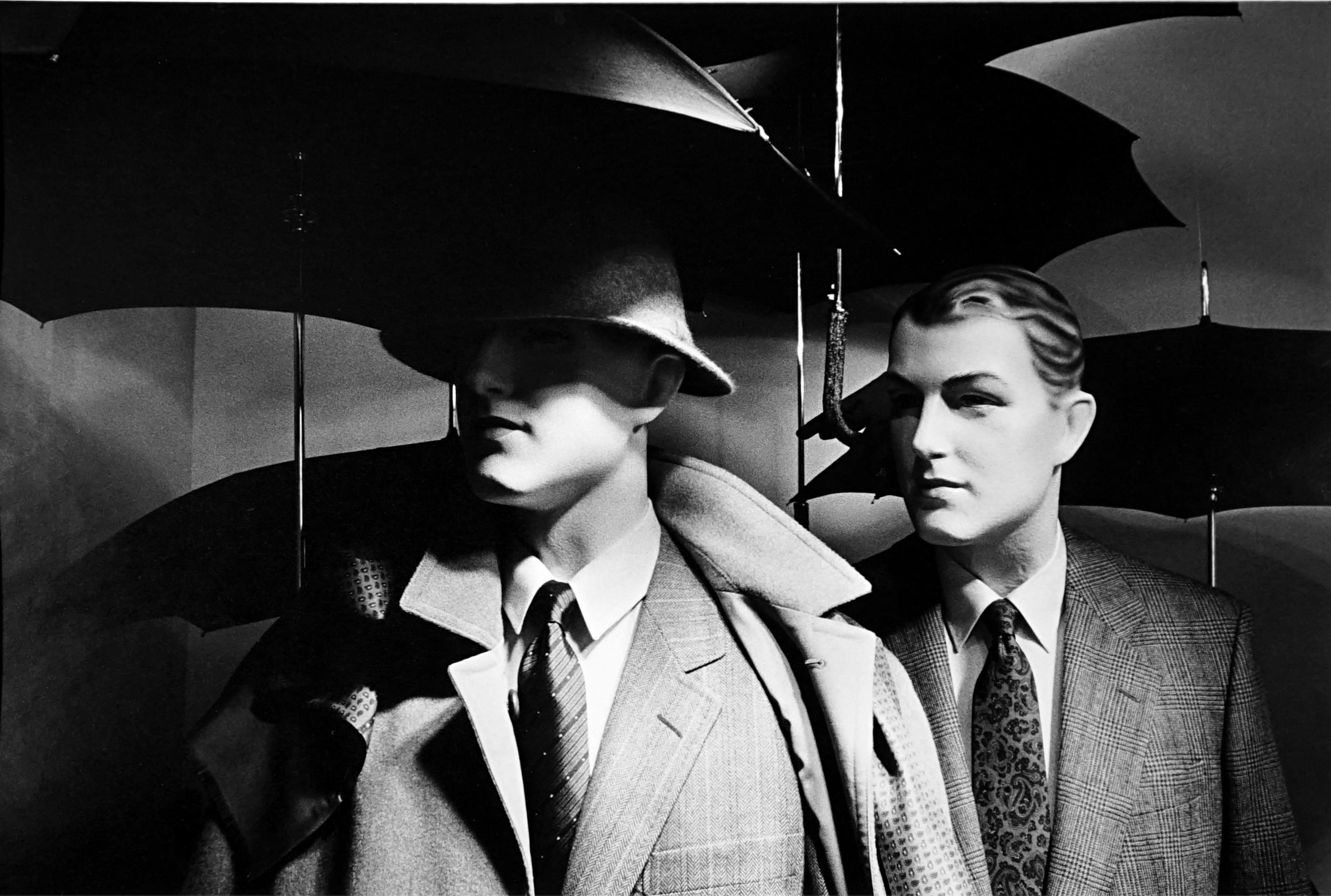Au chic Parisien - Off-Print # 1  - 1981 - Minimalist Black & White Photography