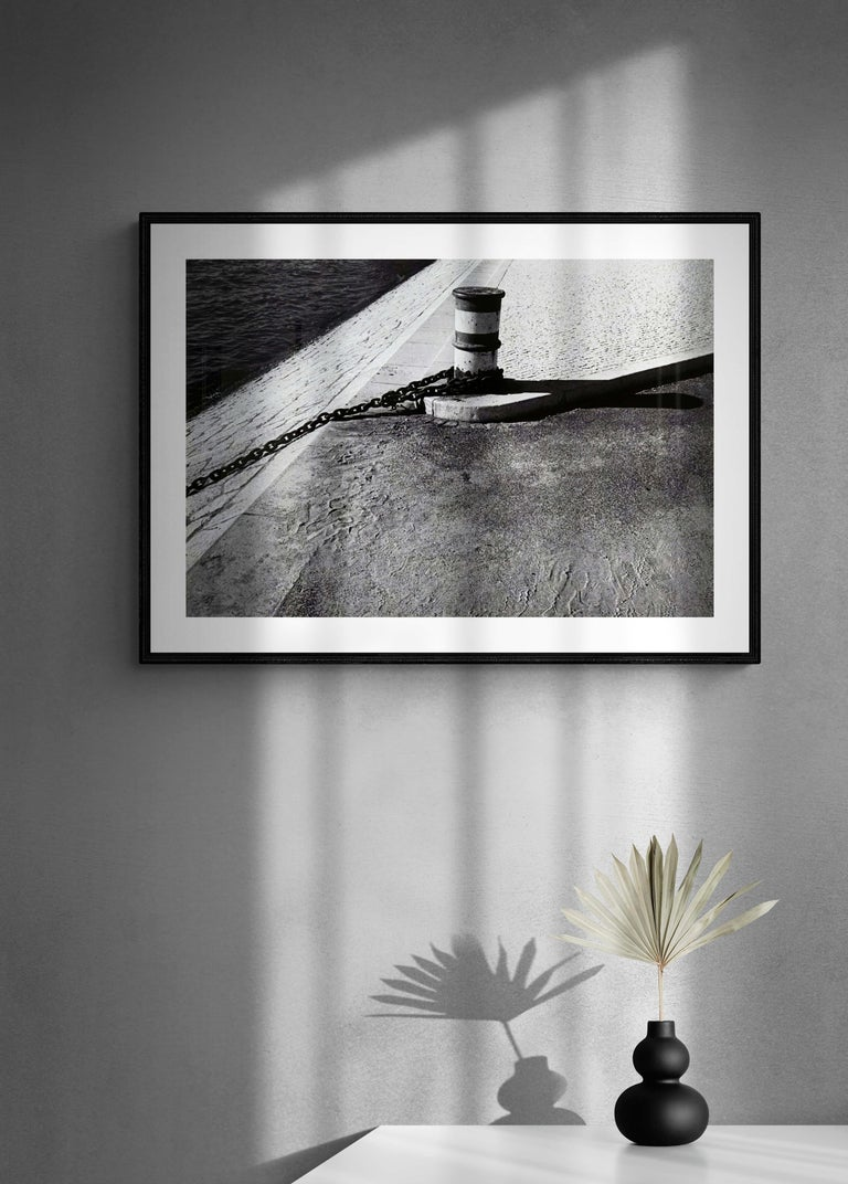 Rivages - Off-Print # 2 -Lisbon - 1982 - Minimalist Black & White Photography For Sale 3