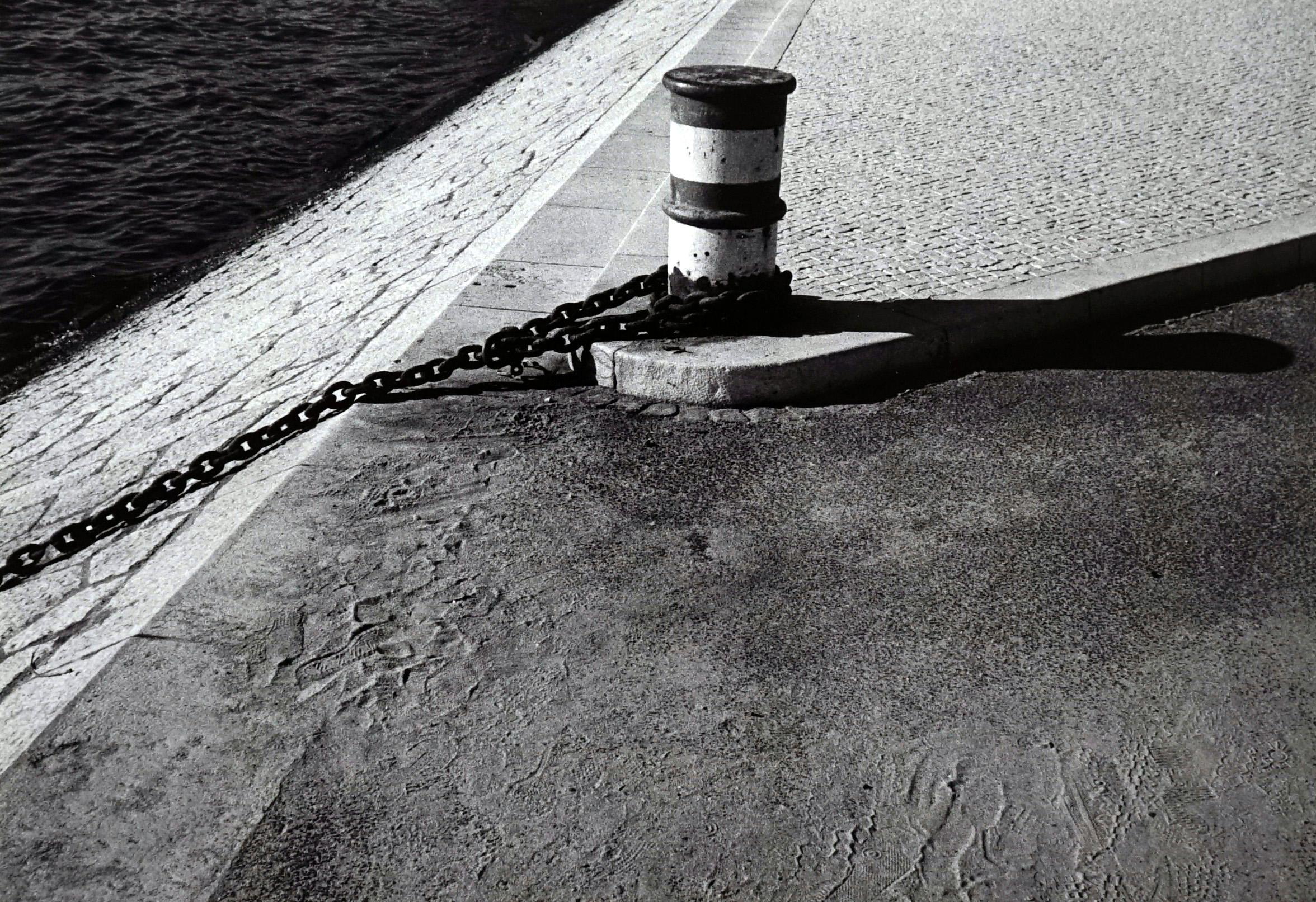 Rivages - Off-Print # 2 -Lisbon - 1982 - Minimalist Black & White Photography
