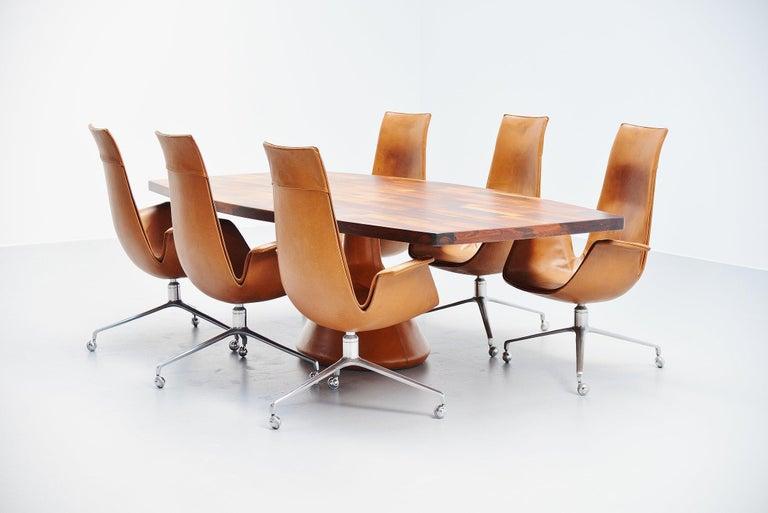 Jorge Zalszupin Guanabara Pedestal Dining Table, Brazil, 1960 For Sale 1