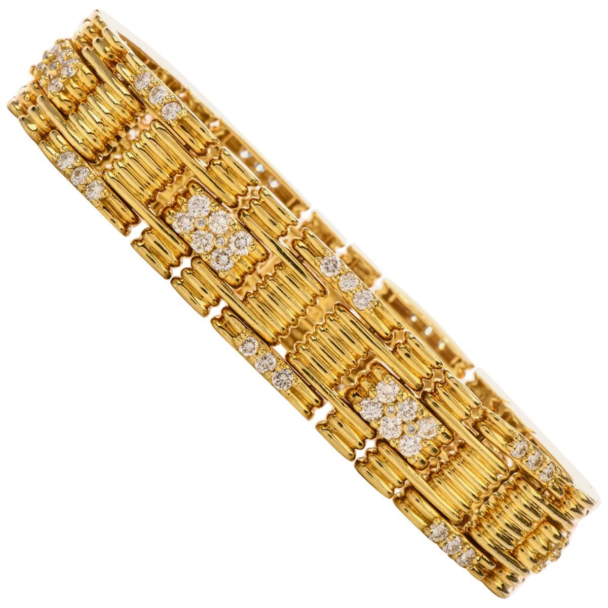 Jose Hess 1980s Diamond Link 18 Karat Yellow Gold Bracelet