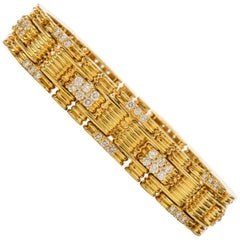 Jose Hess 1980s Diamond Link 18 Karat Yellow Gold Bracelet