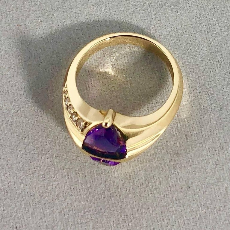 Jose Trillos 18 Karat Amethyst and Diamond Cocktail Ring In New Condition For Sale In Mansfield, OH