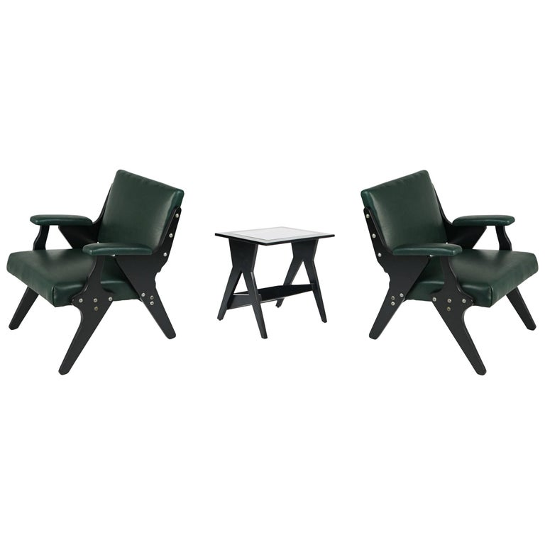 Jose Zanine Caldas Pair of Leather Armchairs and Side Table, Brazil, circa 1950 For Sale
