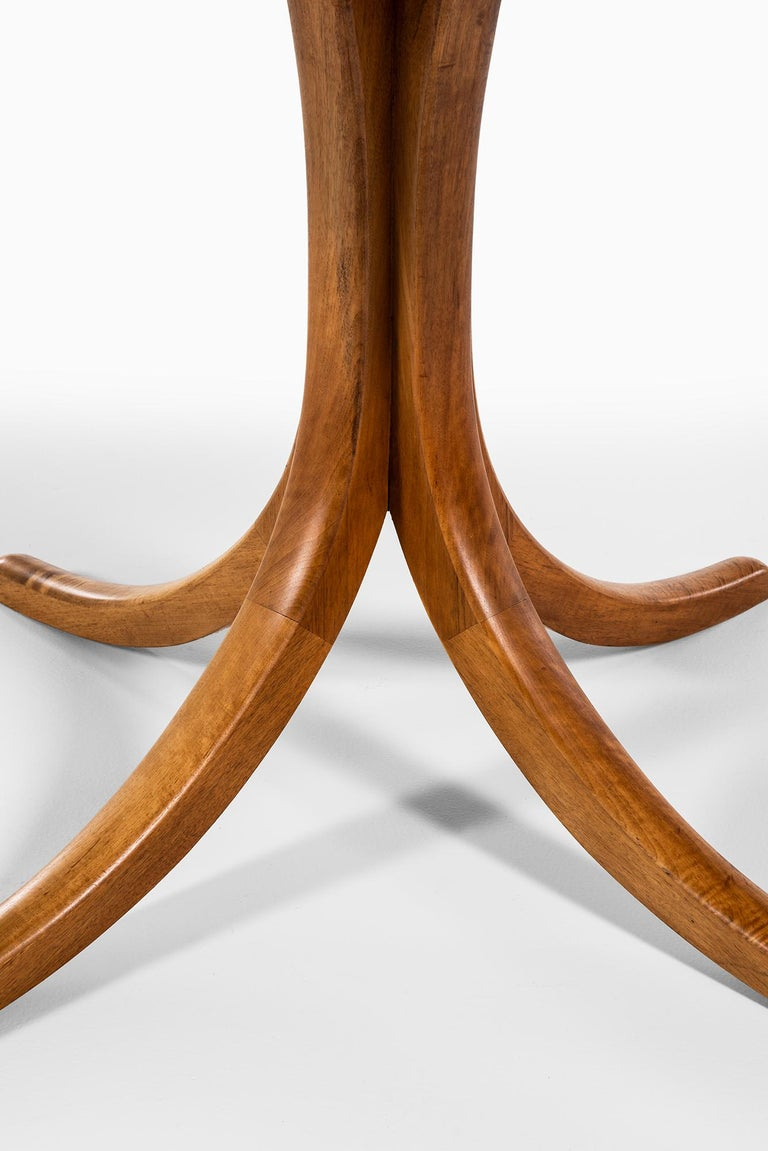 Josef Frank Dining Table Model 1020 by Svenskt Tenn in Sweden In Excellent Condition For Sale In Malmo, SE