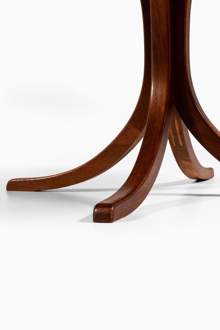 Josef Frank Dining Table Model 1020 Produced by Svenskt tenn in Sweden For Sale 3