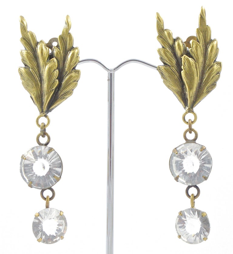 Joseff of Hollywood 1950s Gold Plated Clear Crystal Brooch and Clip On Earrings For Sale 9