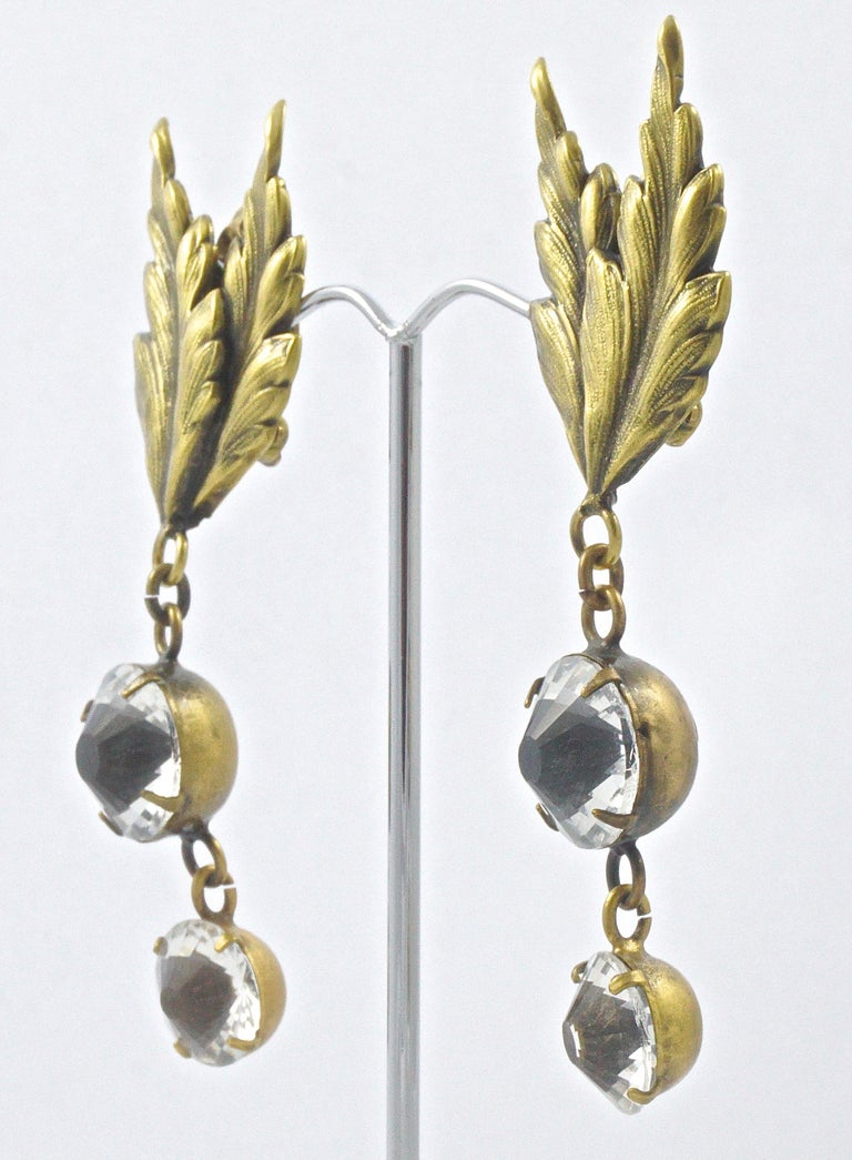 Joseff of Hollywood 1950s Gold Plated Clear Crystal Brooch and Clip On Earrings For Sale 10