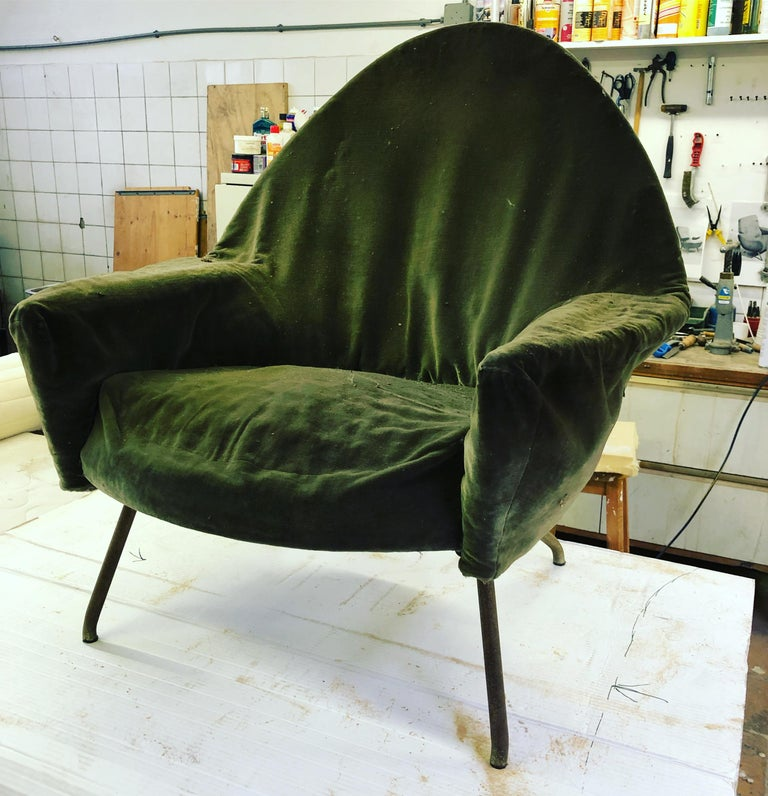 J.A Motte '770' lounge set comprising pair lounge chairs & sofa, 1958, Restored For Sale 6