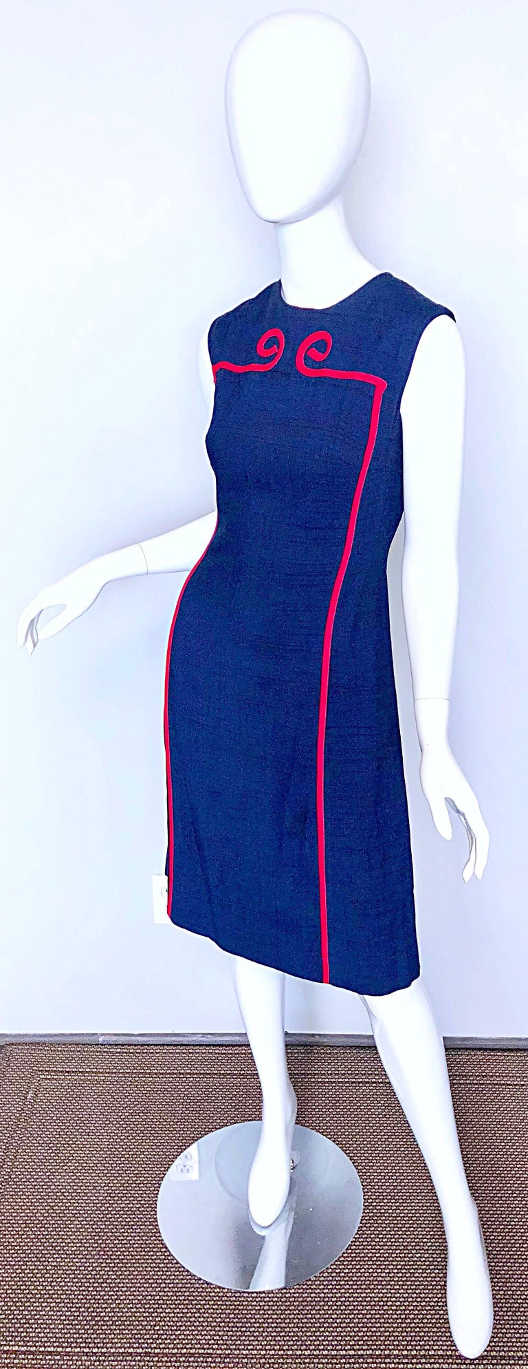 Joseph Magnin 1960s Navy Blue + Red Linen Silk Nautical Vintage 60s Shift Dress In Excellent Condition For Sale In Chicago, IL