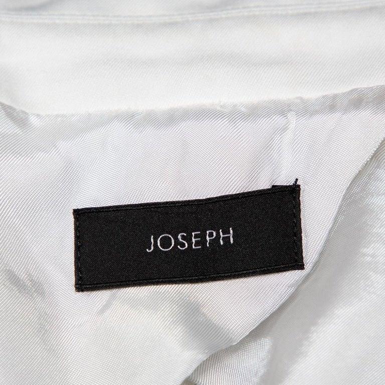 Joseph White Cotton & Ramie Double Breasted Yvette Blazer L In Good Condition For Sale In Dubai, Al Qouz 2