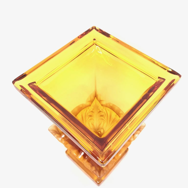 Josephinenhuette Moser Style Amber colored Glass footed Vase Catchall, 1920s In Good Condition For Sale In Nürnberg, DE