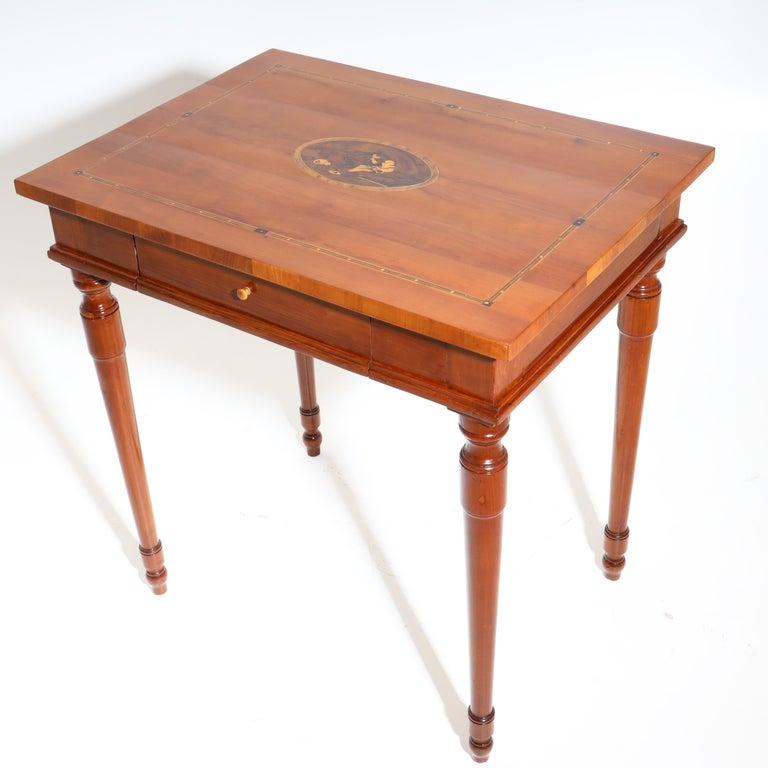 Josephinian Side Cherrywood Table, Austria, circa 1800 In Good Condition For Sale In Greding, DE