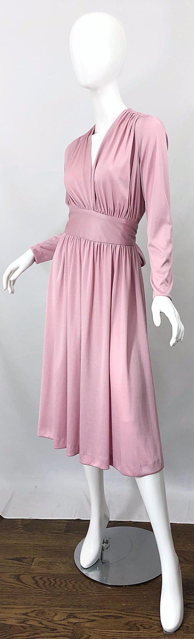Women's Joy Stevens 1970s Pink Mauve Dusty Rose Long Sleeve Disco Vintage 70s Dress For Sale