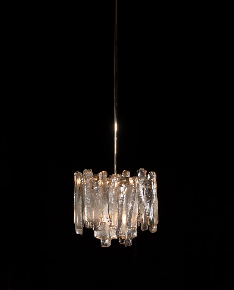 J.T. Kalmar Design Chandelier with Frosted Glass Elements, 1970s In Good Condition For Sale In Silvolde, Gelderland