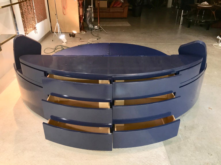 Juan Montoya Round Sleeping Unit In Good Condition For Sale In Hingham, MA