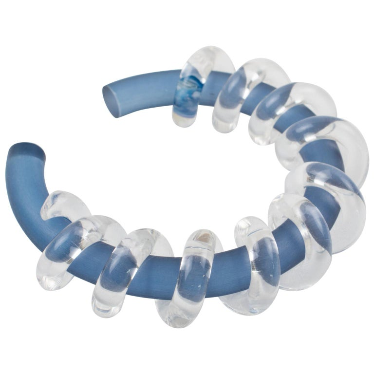 Judith Hendler Clear & Blue Lucite Acrylic Spiral Cuff Bracelet Bangle For Sale