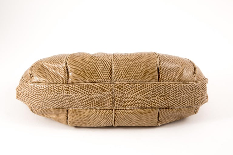 Judith Leiber Camel Leather Evening Frogs Clutch In Excellent Condition For Sale In Paris, FR