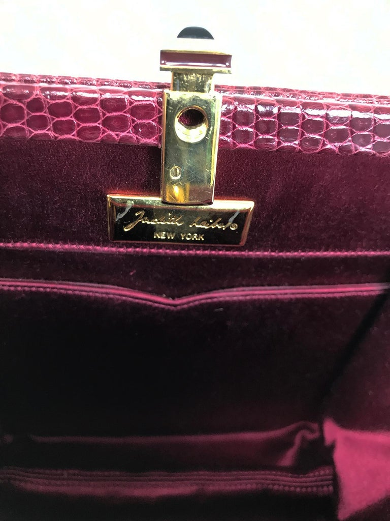 Judith Leiber Jewel Clasp Burgundy Lizard Clutch Shoulder Bag with Accessories For Sale 4
