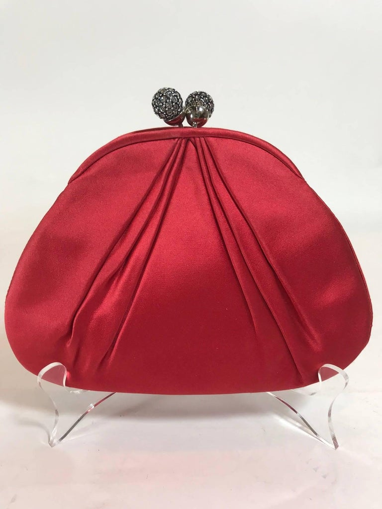 Judith Leiber Red Satin Clutch In Excellent Condition For Sale In Roslyn, NY