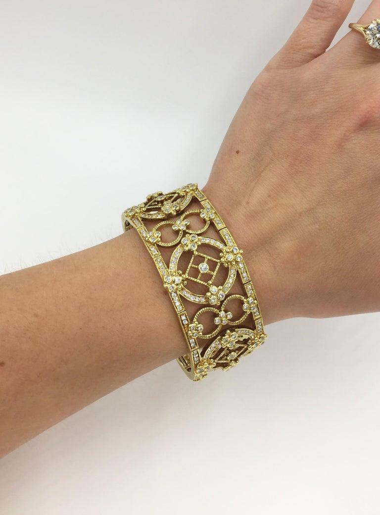 Judith Ripka Garland 18 Karat Yellow Gold Diamond Cuff Bracelet In New Condition For Sale In Pikesville, MD