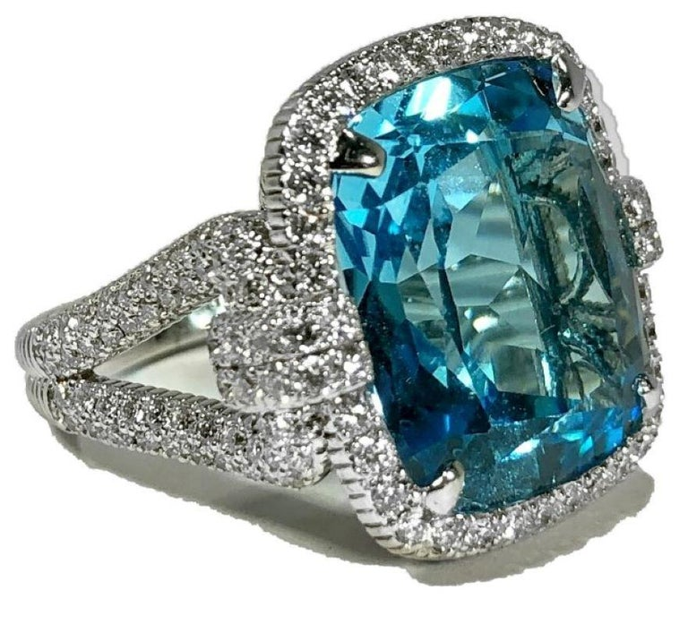 Judith Ripka Large Scale White Gold Diamond and 17.90Ct Blue Topaz Ring In Good Condition For Sale In Palm Beach, FL