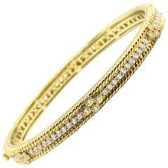 Judith Ripka Romance 18K Yellow Gold Diamond 2.50 Carat Bangle Bracelet Hinged